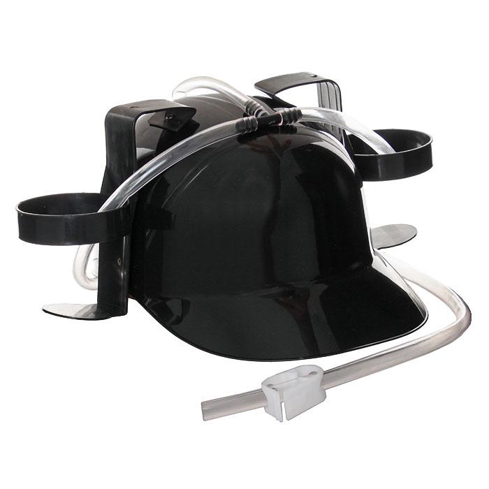 Каска с подставками под банки, цвет: черный92378Черная пластиковая каска с двумя держателями для банок или небольших бутылок и трубкой, через которую можно пить, поможет вам утолить жажду во время движения, не останавливаясь и не занимая рук. Трубка имеет зажим, благодаря которому можно регулировать напор жидкости, и две соединительные трубочки, с помощью которых можно смешивать два различных напитка в виде коктейля. Каска имеет амортизатор, регулирующий глубину посадки каски. Загрузи голову и освободи руки! Характеристики: Высота каски: 12 см. Диаметр подставки: 7 см. Материал: пластик. Изготовитель: Китай. Артикул: 902378.