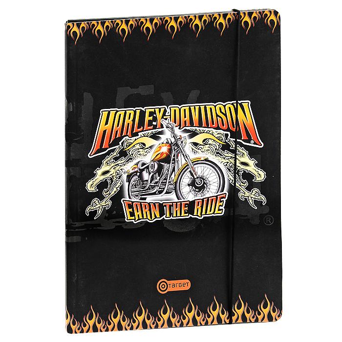 Папка на резинке Harley-Davidson10-1711Удобная большая папка Harley-Davidson из картона, на резинке идеально подойдет для транспортировки и хранения рисунков. Резинка не позволит папке раскрыться в неподходящий момент. Характеристики: Материал: картон, текстиль. Формат папки: А4.