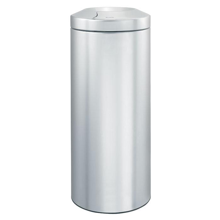 Корзина для бумаг Brabantia Flame Guard, с защитой от возгорания, цвет: матовый стальной, 30 л378621Несгораемая корзина для бумаг Flame Guard выполнена из антикоррозийной матовой стали, станет идеальным безопасным решением для вашего дома или офиса. Урна оснащена съемным гасителем огня из нержавеющей стали, который изолирует доступ кислорода в случае возгорания отходов, и огонь гаснет. Содержимое мусорного ведра практически полностью скрыто от глаз, а съемная внутренняя металлическая корзина легко чистится и устойчива к коррозии. Пластиковый защитный обод предотвращает повреждение пола. В комплект входят фирменные мусорные мешки. Модель протестирована и сертифицирована RWTUV Германии. Характеристики: Материал: сталь, пластик. Объем: 30 л. Высота корзины: 68,5 см. Диаметр корзины: 29,3 см. Гарантия производителя: 5 лет.