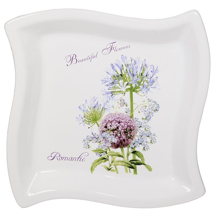 Тарелка Аллиум, 22,5 см х 22,5 см4601137043265Фигурная тарелка Аллиум выполнена из керамики и декорирована рисунком в виде красивого и нежного, но в тоже время эффектного цветка аллиума.