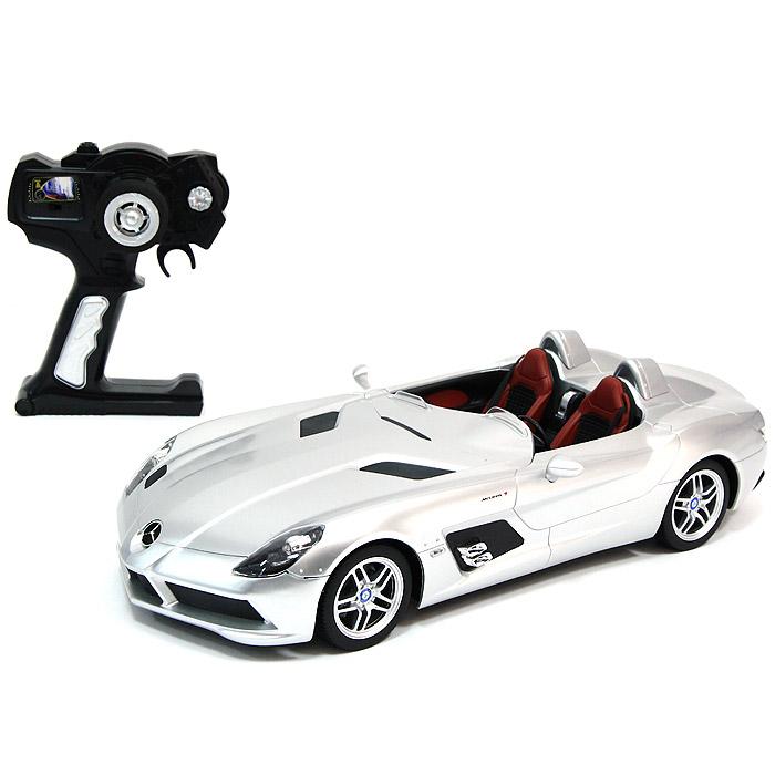 Радиоуправляемая модель Mercedes-Benz SLR. 4240042400Радиоуправляемая модель Mercedes-Benz SLR серебристого цвета привлечет внимание не только ребенка, но и взрослого и станет отличным подарком любителю всего оригинального и необычного. Машинка является точной уменьшенной копией автомобиля. Фары автомобиля светятся. Модель изготовлена из прочных материалов, шины выполнены из мягкой резины. Машинка может перемещаться вперед, дает задний ход, поворачивает влево и вправо, останавливается. Ваш ребенок часами будет играть с моделью, придумывая различные истории и устраивая соревнования. Порадуйте его таким замечательным подарком!