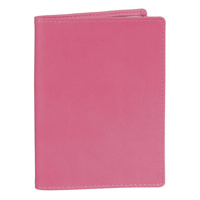 Обложка для паспорта Skiver, цвет: темно-розовый67903Обложка для паспорта Skiver не только поможет сохранить внешний вид ваших документов и защитить их от повреждений, но и станет стильным аксессуаром, идеально подходящим вашему образу. Обложка выполнена из высококачественной итальянской искусственной кожи с гладкой поверхностью. На внутреннем развороте обложки есть шесть карманов из прозрачного пластика. Такая обложка станет отличным подарком для человека, ценящего качественные и необычные вещи.