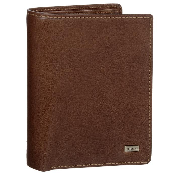 Портмоне Edmins, цвет: коричневый. 1422 ML ED brown61481Стильное портмонеEdmins, выполненное из натуральной кожи коричневого цвета, станет стильным аксессуаром, идеально подходящим вашему образу. Внутри: два отделения для купюр, карман для мелочи на кнопке, четыре глубоких кармана для мелких бумаг, семь карманов для кредитных карт или визиток, карман с пластиковым окошком и карман на застежке-молнии. Портмоне упаковано в коробку из плотного картона с логотипом фирмы.