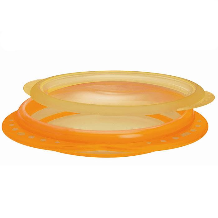 Тарелка пластиковая Easy Learning, мелкая, цвет: оранжевый, от 8 месяцев10 255 049Мелкая пластиковая тарелка Easy Learning с удобными нескользкими ручками и крышкой идеальна для приготовления, кормления малыша и самостоятельного приема пищи. Наклонные края тарелки облегчают зачерпывание пищи, а нескользкое дно гарантирует устойчивое положение тарелки на поверхности. Тарелку можно использовать в микроволновых печах и посудомоечных машинах.