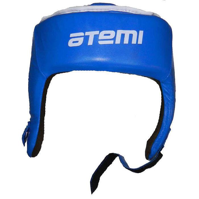 Шлем боксерский ATEMI, цвет: синий. Размер M (54-58 см). LTB19701LTB19701Боксерский шлем ATEMI синего цвета предназначен для предохранения головы от жестких ударов, посечения бровей и травм ушей. Шлем выполнен из натуральной кожи снаружи и натуральной мягкой замши изнутри. Шлем имеет усиленную защиту области ушей, защиту верха головы и оснащен двумя дополнительными застежками на липучках, располагающихся сзади. Шлем прочно фиксируется на голове застежкой на липучке, расположенной впереди, что гарантирует быстроту и удобство одевания. Такой шлем погасит силу ударов и надежно защитит все зоны головы от повреждений.
