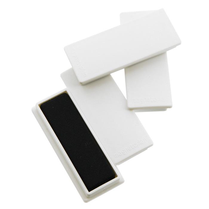 Набор магнитов Magnetoplan, цвет: белый, 10 шт16 651 00Магниты Magnetoplan прямоугольной формы не только надежно удержат листы бумаги на магнитно-маркерной поверхности, но и помогут расставить акценты, выделяя важную информацию. Изготовлены из цельного ферритного магнита. Имеют матовую поверхность корпуса и гладкую магнитную поверхность, которая не оставляет царапин на магнитной доске. Характеристики: Материал: пластик, магнит. Цвет: белый. Размер магнита: 1,9 см х 5,4 см х 0,8 см. Размер упаковки: 8 см х 2,5 см х 5,5 см. Изготовитель: Китай.