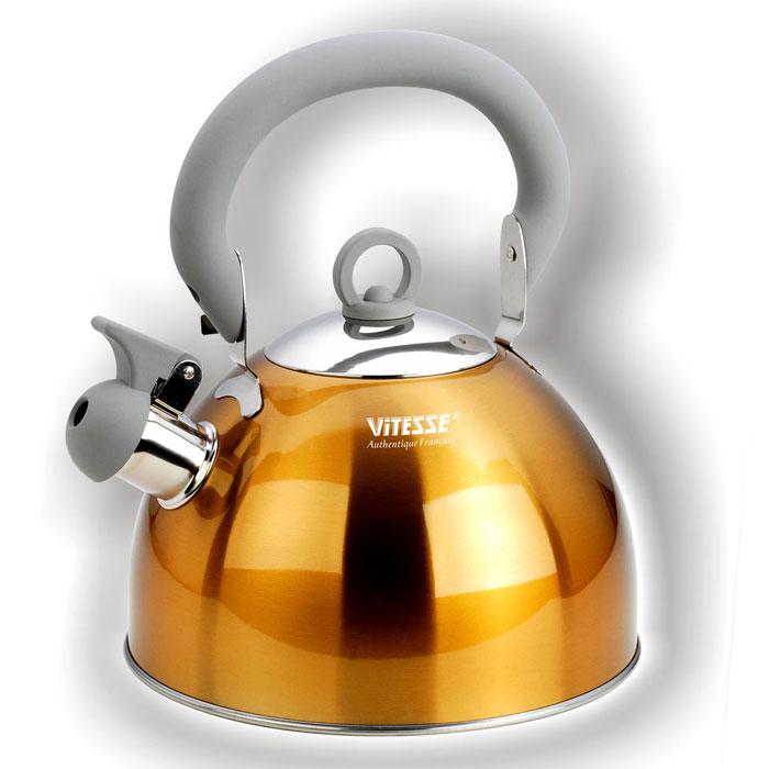 Чайник Vitesse Hanya со свистком, цвет: желтый, 2,5 лVS-1114Чайник Vitesse Hanya выполнен из высококачественной нержавеющей стали 18/10. Капсулированное дно с прослойкой из алюминия обеспечивает наилучшее распределение тепла. Носик чайника оснащен откидной насадкой-свистком, что позволит вам контролировать процесс подогрева или кипячения воды. Чайник имеет элегантное цветное покрытие корпуса. Подвижная ручка чайника изготовлена из нержавеющей стали с силиконовым покрытием. Чайник Vitesse Hanya подходит для использования на всех типах плит. Также изделие можно мыть в посудомоечной машине. Характеристики: Материал: нержавеющая сталь 18/10, силикон. Диаметр основания чайника: 20 см. Высота чайника (с учетом крышки и ручки): 25 см. Объем: 2,5 л. Размер упаковки: 20,5 см х 20,5 см х 17,5 см. Изготовитель: Китай. Артикул: VS-1114. Кухонная посуда марки Vitesse из нержавеющей...