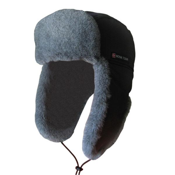 Шапка-ушанка с отделкой из искусственного меха.