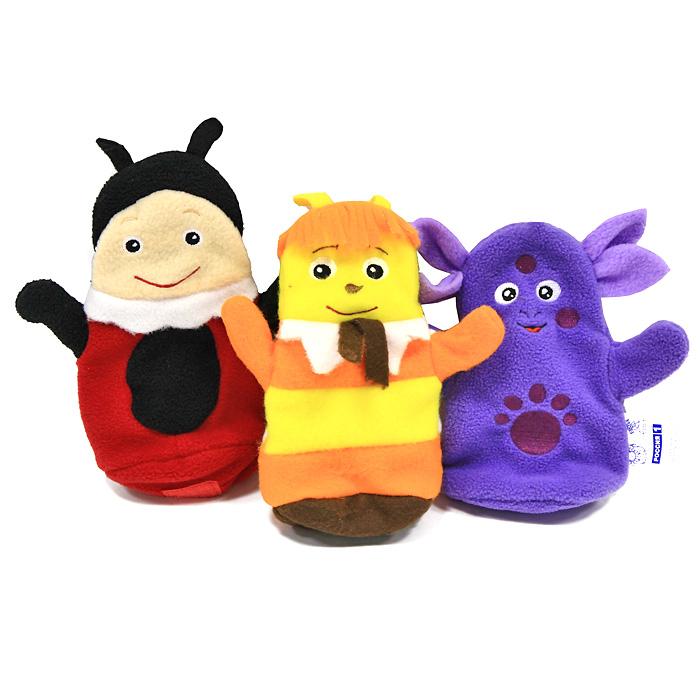 Кукольный театр Би-ба-бо: Лунтик и друзья7С-1079-РИКукольный театр Би-ба-бо: Лунтик и друзья привлечет внимание вашего ребенка и займет его внимание надолго. В набор входят три куклы на руку в виде Лунтика, Пчеленка и Милы. С помощью этих куколок вы сможете показывать различные сценки из мультфильма про Лунтика или собственные придуманные истории. Игра с таким набором развивает пространственное и логическое мышление, мелкую мышечную моторику, внимание, память и подготавливает руку к письму. Постановка домашнего спектакля - всегда незабываемое событие и для актеров и для зрителей. А для малышей, к тому же - важный шаг на пути к творческому самовыражению. В отличие от театра с живыми актерами, кукольный театр не занимает много места, не требует громоздких декораций и дает неограниченные возможности в выборе ролей. Участвуя в постановке даже давно знакомой сказки, Вы сможете взглянуть на происходящее глазами самих героев и обязательно откроете для себя что-то новое, на что раньше не обращали внимания.