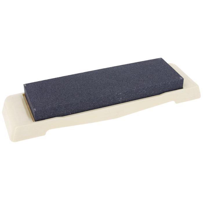 Камень точильный Naniwa, грубый, # 120QA-0120Точильный камень Naniwa предназначен для заточки кухонных ножей. Камень имеет крупнозернистую поверхность, которая подходит для предварительной заточки лезвия. Перед использованием камень необходимо замочить в воде на 3-5 минут. Точильный камень закреплен на пластиковой подставке.
