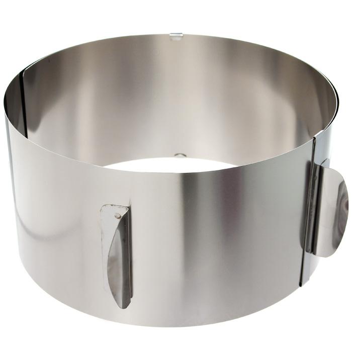 Кольцо для выпечки Baking XXL14304Кольцо для выпечки Gefu Baking XXL изготовлено из нержавеющей стали. Конструкция кольца такова, что позволяет регулировать диаметр от 16,5 см до 32 см. Для облегчения процесса чистки полностью выпрямляется. Можно мыть в посудомоечной машине. Характеристики: Материал: сталь. Диаметр: 16,5 см - 32 см. Высота: 10 см. Размер упаковки: 17,8 см х 16,8 см х 10,5 см. Производитель: Германия. Артикул: 14304.