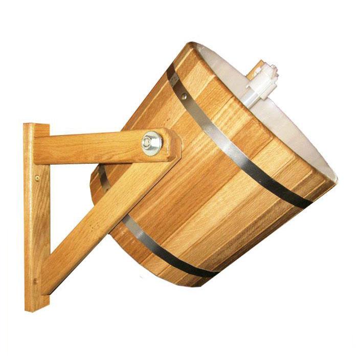 Обливное устройство Русский душ для бани и сауны, 14 л. 3320333203Обливное устройство Русский душ превосходно дополнит банную процедуру! Такое устройство позволит вам принимать контрастный душ после парной, который создаст у вас ощущение бодрости, свежести, зарядит хорошим настроением, поможет закалить организм и повысить иммунитет. Обливное устройство выполнено из деревянных шпунтованных клепок, стянутых двумя обручами из нержавеющей стали. Для изготовления клепок использовалась натуральная древесина кедра. Внутри обливного устройства имеется пластиковая вставка. В комплект также входит выпускной клапан, который поможет вам регулировать поступление воды. Соединение обливного устройства осуществляется гибким шлангом (не входит в комплект) от водопровода или другого источника воды через хвостовик впускного клапана. Специальный шнур позволяет с удобством пользоваться обливным устройством. Обливное устройство может монтироваться как к стенам, так и к потолку помещения (система крепления входит в комплект). Характеристики: Материал:...