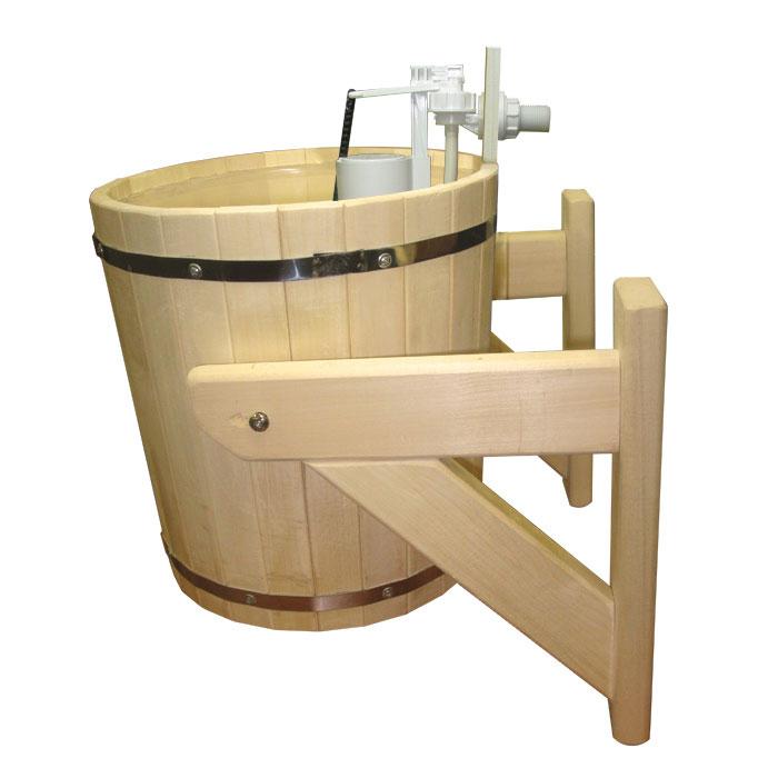 Обливное устройство Русский душ для бани и сауны, 20 л.33201Обливное устройство Русский душ превосходно дополнит банную процедуру! Такое устройство позволит вам принимать контрастный душ после парной, который создаст у вас ощущение бодрости, свежести, зарядит хорошим настроением, поможет закалить организм и повысить иммунитет. Обливное устройство выполнено из деревянных шпунтованных клепок, стянутых двумя обручами из нержавеющей стали. Для изготовления клепок использовалась натуральная древесина липы. Внутри обливного устройства имеется пластиковая вставка. В комплект также входит выпускной клапан, который поможет вам регулировать поступление воды. Соединение обливного устройства осуществляется гибким шлангом (не входит в комплект) от водопровода или другого источника воды через хвостовик впускного клапана. Специальный шнур позволяет с удобством пользоваться обливным устройством. Обливное устройство может монтироваться как к стенам, так и к потолку помещения (система крепления входит в комплект). Характеристики: Материал:...