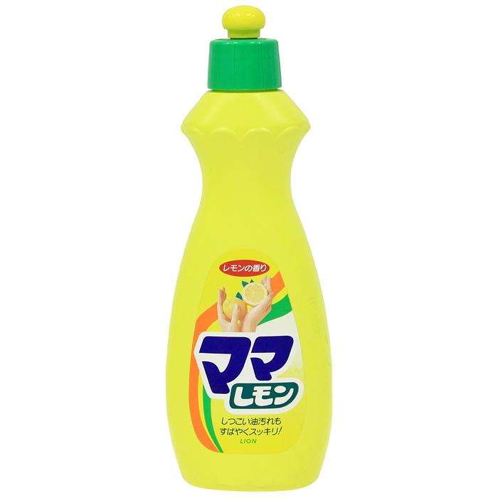 Средство для мытья посуды Lion Mama Lemon, лимон, 380 мл073086Средство Mama Lemon предназначено для мытья посуды, кухонной утвари, дезинфекции губок, а также для мытья овощей и фруктов. Густая пена великолепно справляется с жиром даже в холодной воде. Моющее средство оказывает антибактериальное действие и удаляет неприятные запахи. Обладает освежающим ароматом лимона. Благодаря содержанию моющих компонентов растительного происхождения, средство мягко воздействует на кожу рук, не сушит ее и не вызывает раздражения. Характеристики: Объем: 380 мл. Производитель: Япония. Артикул: 073086. Японская бытовая химия - это эффективность, высочайшее качество, экономичность и безопасность применения. Компания Lion, основанная в октябре 1891 г, является одним из лидеров в Японии по производству косметической продукции и бытовой химии. Четыре исследовательских центра компании постоянно занимаются разработкой новой продукции, а также совершенствованием уже имеющейся. Компания Lion стремиться к тому, чтобы делать жизнь людей...