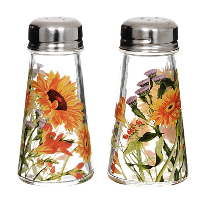 Набор для специй Эмили, 2 предметаSI-8887A40-ALНабор для специй Эмили изготовлен из стекла и украшен цветочным рисунком. Набор включает солонку и перечницу. Солонка и перечница легки в использовании: стоит только перевернуть емкости, и вы с легкостью сможете поперчить или добавить соль по вкусу в любое блюдо. Дизайн, эстетичность и функциональность набора позволят ему стать достойным дополнением к кухонному инвентарю. Характеристики: Материал: стекло, металл. Диаметр емкости по верхнему краю: 3,5 см. Диаметр основания емкости: 5,5 см. Высота емкости: 10,5 см. Размер упаковки: 12,5 см х 6,5 см х 11,5 см. Изготовитель: Китай. Артикул: SI-8887A40-AL.