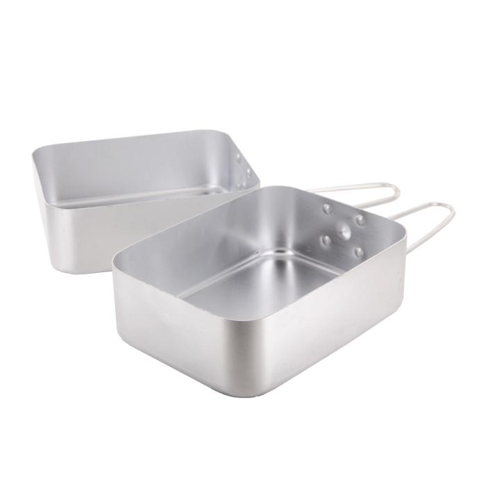 Набор походной посуды Era Outdoor, 2 предмета3299Набор походной посуды Era Outdoor состоит из двух универсальных емкостей предназначенных для приготовления пищи. Емкости снабжены складными ручками. Набор идеально подойдет для приготовления пищи во время похода. Посуда легкая и компактно складывается, поэтому не займет в походном рюкзаке много места. Характеристики: Материал: алюминий. Объем емкостей: 1 л; 1,25 л. Размер емкостей: 16,8 см х 13,3 см х 5,7 см; 18,2 см х 13,7 см х 6 см. Производитель: Финляндия. Артикул: 3299.