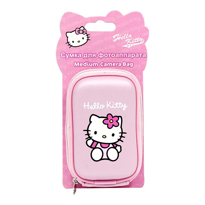 Сумка для фотоаппарата Hello KittyHEA021ZСтильная сумка для фотоаппарата Hello Kitty на застежке-молнии, выполненная из мягкого пластика в розовом цвете и оформленная изображением всеми любимой очаровательной кошечки и логотипом Hello Kitty, непременно, понравится вашей малышке. Пластиковая сумочка оснащена карабином для удобного ношения на поясе и ремешком для переноски на шее. Порадуйте свою малышку таким замечательным подарком. Характеристики: Материал: полиэстер, пластик, металл. Размер сумочки: 8,5 см x 12,5 см x 4 см. Изготовитель: Китай.
