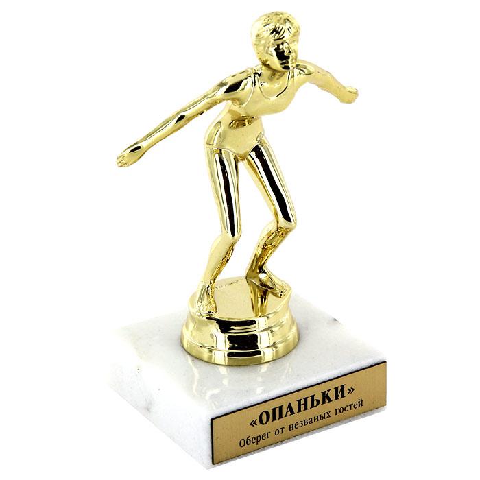Статуэтка-мотиватор Опаньки92001Статуэтка-мотиватор Опаньки, выполненная из пластика золотистого цвета в виде пловца перед прыжком, станет оригинальным и неожиданным подарком к празднику. Статуэтка помещена на мраморный постамент с табличкой Оберег от незваных гостей. Такой сувенир станет веселым памятным подарком и принесет массу положительных эмоций своему обладателю. Характеристики: Материал: пластик, металл, мрамор. Высота статуэтки (с подставкой): 12,5 см. Размер упаковки: 12 см х 9 см х 10 см. Производитель: Россия. Артикул: 92001.