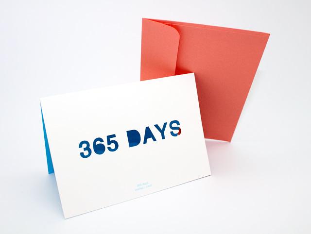 Открытка 365 days0110008Двойная открытка 365 days позволит вам оригинально дополнить подарок и поздравить близкого человека. Лицевая сторона открытки оформлена вырезанной надписью 365 days. В комплект входит цветной конверт. Характеристики: Материал: картон, бумага. Размер открытки (в сложенном виде): 15 см х 10,5 см. Изготовитель: Китай. УВАЖАЕМЫЕ КЛИЕНТЫ! Обращаем ваше внимание на незначительные изменения в цвете некоторых деталей товара. Поставка осуществляется в зависимости от наличия на складе.