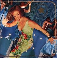 К изданию прилагается буклет с текстами песен на английском и испанском языках.