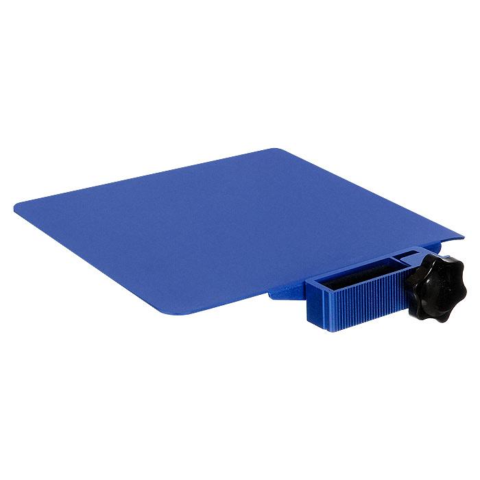 Площадка для столиков ASX под компьютерную мышь, цвет: синийCD120751Площадка для столиков ASX может быть использована для мышки, для напитков, для сэндвичей и так далее. Она легко крепится и фиксируется на ножке столика, на любой удобной для вас высоте и идеально подходит как для правшей, так и для левшей.