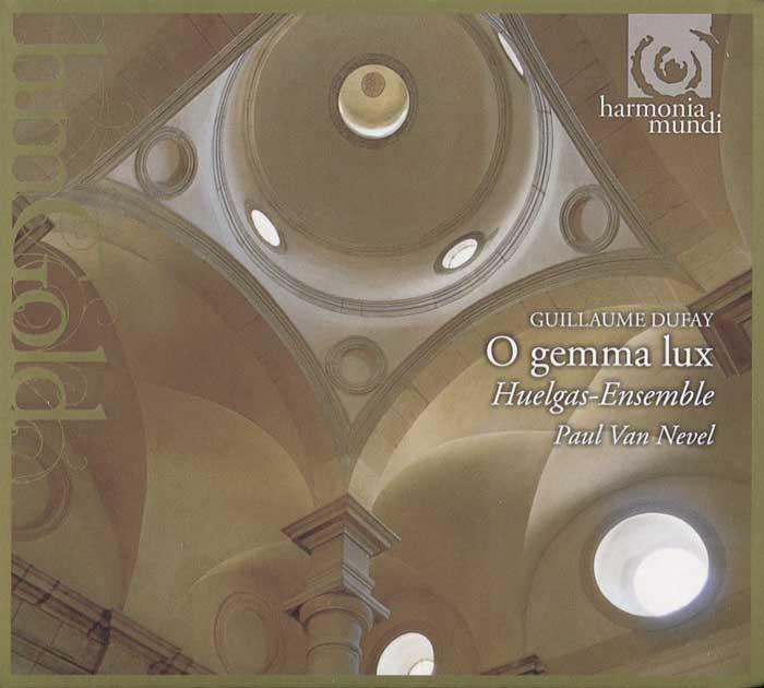 Издание содержит 64-страничный буклет с фотографиями и дополнительной информацией на французском, английском и немецком языках.