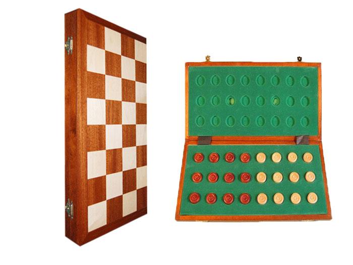Шашки Wegiel Турнирные, размер: 42х21х5 см. 39403940Турнирные шашки выполнены из дерева и вложены в деревянную шкатулку. Крышка шкатулки представляет собой игровое поле, выполненное из наборного дерева.