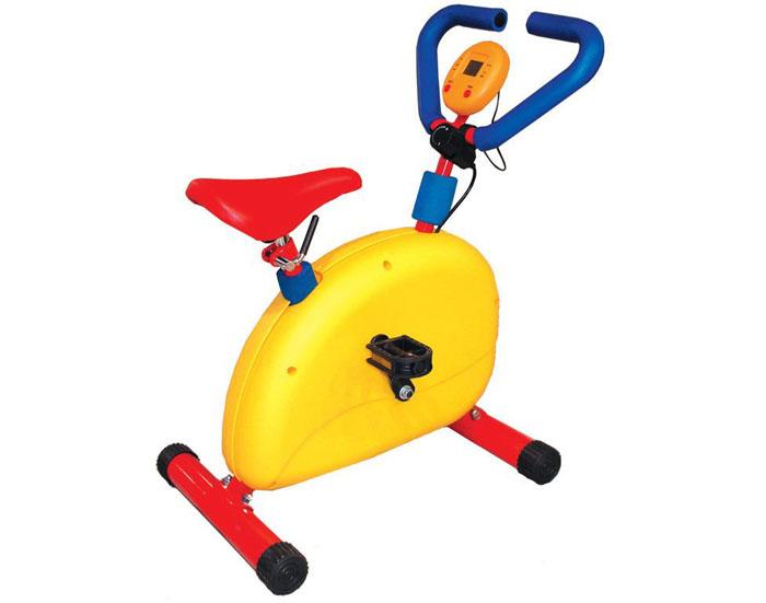 Тренажер Baby Gym Велотренажер, детский. LEM-KEB 001LEM-KEB-001Детский велотренажер с механической системой нагрузки, эргономика специально разрабатывалась для детей. Тренажер имеет мягкое покрытое, ПВХ седло, снабжен регулятором нагрузки. Яркий дизайн этого тренажера вызывает восторг у детей и делает спортивные занятия веселыми и увлекательными. Тренажер изготовлен из безопасных для детей материалов. Ручки оформлены неопреновым покрытием. Неопрен в течение всей тренировки отводит выделяющуюся влагу из зоны контакта с телом, оставляя поверхность сухой и не позволяя выскальзывать. Тренажер оснащен компьютерным монитором отображающим время занятия, скорость, дистанцию и потраченные калории. Конструкция очень прочная и устойчивая. Тренажер можно применяться как дома, так и в любых детских учреждениях, комнатах отдыха.