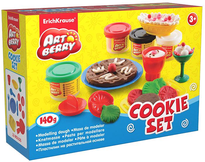 Набор для лепки (на растительной основе) Cookie Set, 4 цвета30375Пластилин на растительной основе Cookie Set - увлекательная игрушка, развивающая у ребенка мелкую моторику рук, воображение и творческое мышление. Пластилин легко разминается, не липнет к рукам и рабочей поверхности, не пачкает одежду. Цвета смешиваются между собой, образуя новые оттенки. Пластилин застывает на открытом воздухе через 24 часа. Набор содержит пластилин 4 цветов (белого, красного, коричневого, ярко-зеленого), вафельницу, поднос с ручками, овальную тарелочку, круглую тарелочку, вилочку, ножик, ложечку, бокал, чашку, 4 фигурных штампа. Пластилин каждого цвета хранится в отдельной пластиковой баночке. С пластилином на растительной основе Cookie Set ваш ребенок будет часами занят игрой.