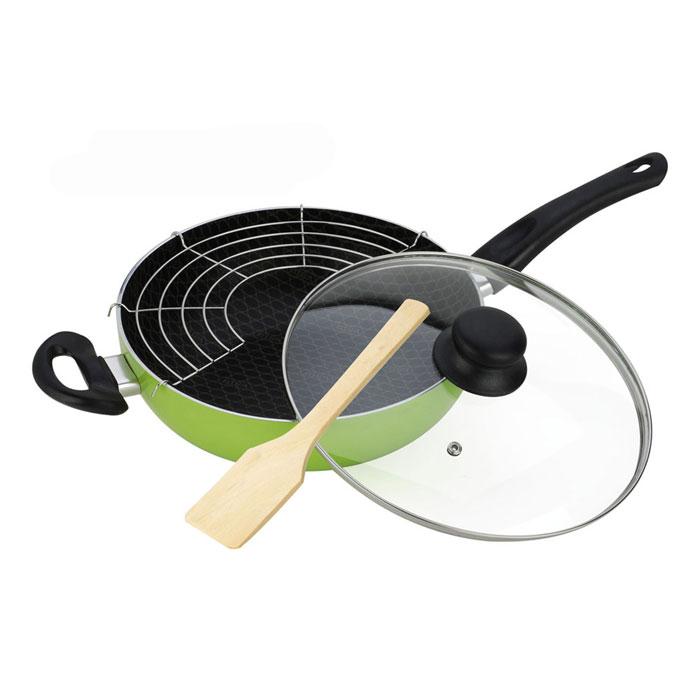 Сковорода-вок Vitesse, цвет: зеленый. Диаметр 26 смVS-7407Сковорода-вок Vitesse предназначена для быстрого обжаривания большого количества ингредиентов одновременно. Благодаря быстрому обжариванию продукты получаются более ароматными, овощи остаются хрустящими. Эта сковорода особой формы идеально подходят для жарки на раскаленном масле и приготовления блюд азиатской кухни. Можно использовать для приготовления плова, густого супа, рагу. Сковорода-вок изготовлена из алюминия и имеет очень прочную конструкцию. Внутренние стенки сковороды имеют антипригарное покрытие, а внешняя сторона силиконовое покрытие для удобной чистки. Утолщенное алюминиевое покрытие дна обеспечивает равномерное распределение тепла по поверхности. Высокопрочная и огнестойкая ручка из бакелита не нагревается и имеет удобную форму. Крышка, изготовленная из стекла позволяет следить за процессом приготовления пищи без потери тепла. Она снабжена специальным отверстием пара и металлическим ободом. Сковорода укомплектована съемной решеткой. Полукруглая решетка...