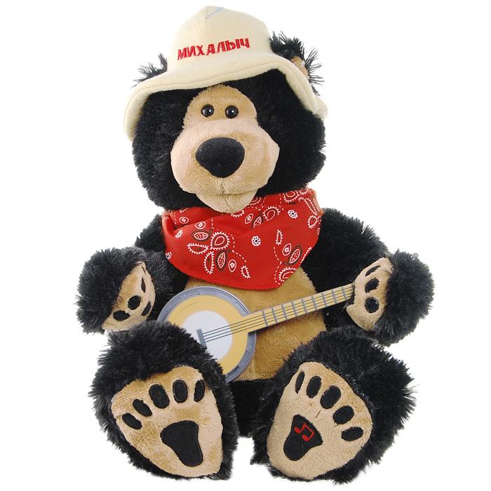 Анимированная игрушка Медведь ТоптыжкинМК1229Медведь Топтыжкин - забавная анимированная игрушка, выполненная в виде веселого медведя с банджо! У мишки на голове прикольная шляпа с надписью Михалыч, на шее красный платок. Нажмите кнопку на левой лапке мишки, и он исполнит веселую, задорную песню Поспели вишни в саду у дяди Вани. Во время исполнения, Топтыжкин покачивает головой вправо и влево, синхронно словам песни открывая рот, и одной рукой играет на банджо. Этот энергичный и веселый медведь станет отличным подарком для старшего поколения и напомнит им этот веселый хит!