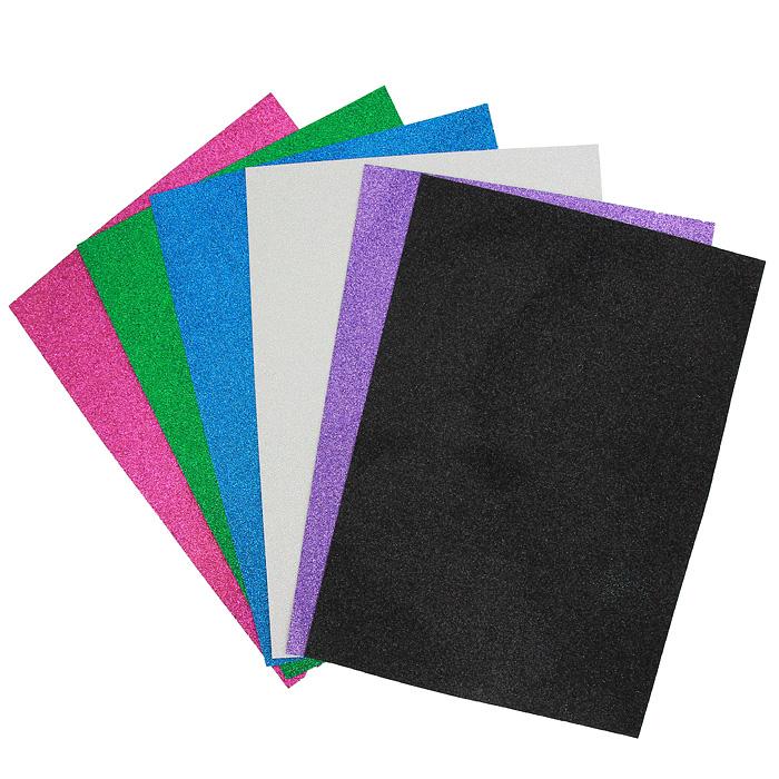 Цветная самоклеящаяся бумага Fancy, 6 листовFD010027Набор цветной сверкающей бумаги Fancy прекрасно подходит для изготовления эксклюзивных подарков, открыток и многого другого. Детали, вырезанные из такой бумаги, эффектно смотрятся на открытках, аппликациях и других всевозможных поделках. В набор входит бумага синего, зеленого, черного, сиреневого, светло-розового и розового цветов. Работа с набором развивает мелкую моторику, усидчивость и формирует художественный вкус. Характеристики: Формат: A4.