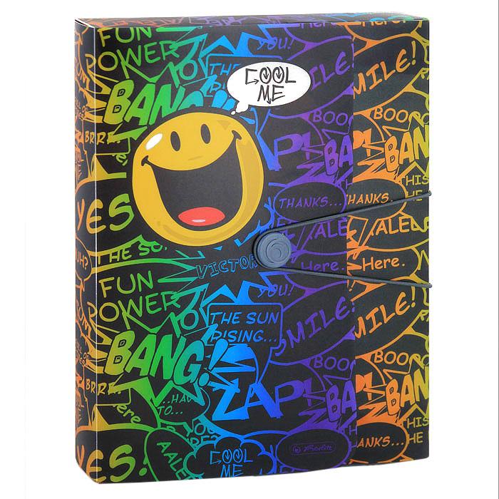 Папка на резинке SmileyworldC01371 (11222874)Папка на резинке Smileyworld непременно привлечет внимание вас ярким дизайном. Папка изготовлена из яркого разноцветного пластика и идеально подходит для хранения и транспортировки письменных принадлежностей, тетрадей, дневников, альбомов для черчения и рисования, и т. д. Вместительность папки рассчитана примерно на 400 листов. Закрывается папка с помощью резинки, крепящейся за пуговичку.