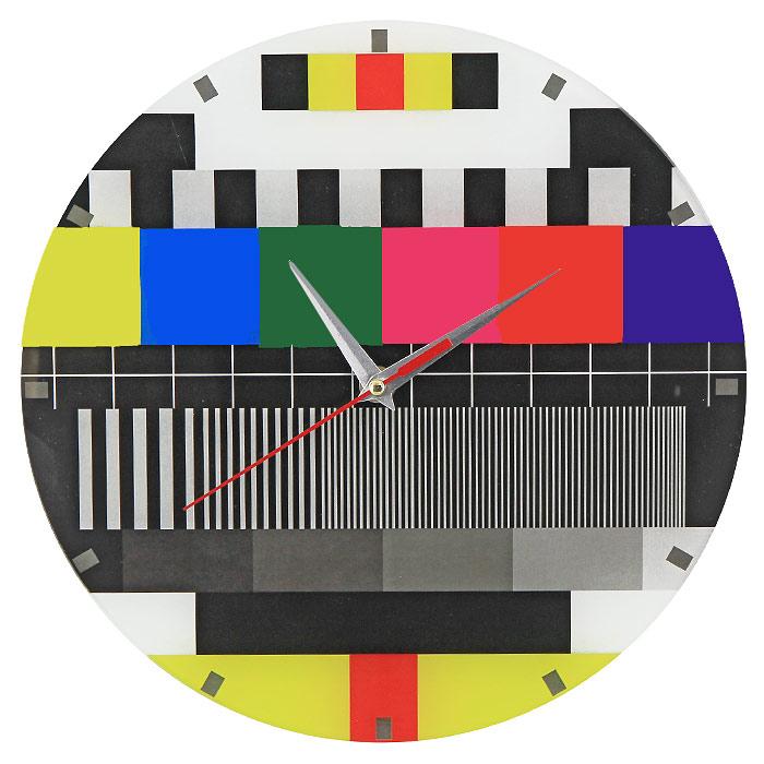 Часы настенные Профилактика ТВ93279Настенные кварцевые часы Профилактика ТВ своим необычным дизайном подчеркнут стильность и оригинальность интерьера вашего дома. Циферблат часов выполнен из стекла и оформлен ярким изображением. Часы имеют три стрелки - часовую, минутную и секундную. На задней стенке часов расположена металлическая петелька для подвешивания. Такие часы послужат отличным подарком для ценителя ярких и необычных вещей.