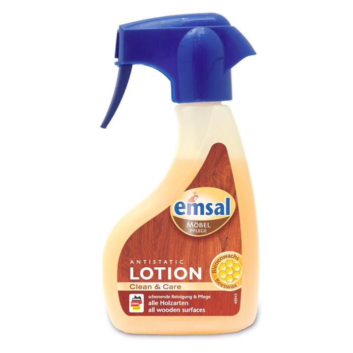Лосьон для деревянных поверхностей Emsal, с распылителем, 250 мл707454Лосьон Emsal быстро убирает пыль, пятна жира и воды со всех видов деревянных поверхностей. Благодаря натуральному пчелиному воску бережно ухаживает за поверхностью. Не требует дополнительной полировки, создает антистатический эффект против пыли. Не содержит силикона.