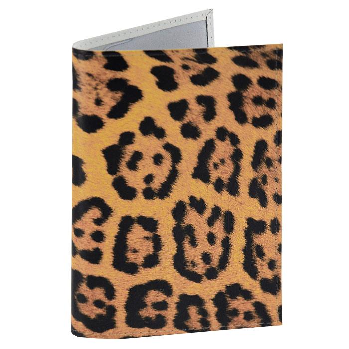 Обложка для паспорта Леопардовый принт. OK076OK076Обложка для паспорта, выполненная из натуральной кожи, оформлена леопардовым принтом. Такая обложка не только поможет сохранить внешний вид ваших документов и защитит их от повреждений, но и станет стильным аксессуаром, идеально подходящим вашему образу. Яркая и оригинальная обложка подчеркнет вашу индивидуальность и изысканный вкус. Обложка для паспорта стильного дизайна может быть достойным и оригинальным подарком.