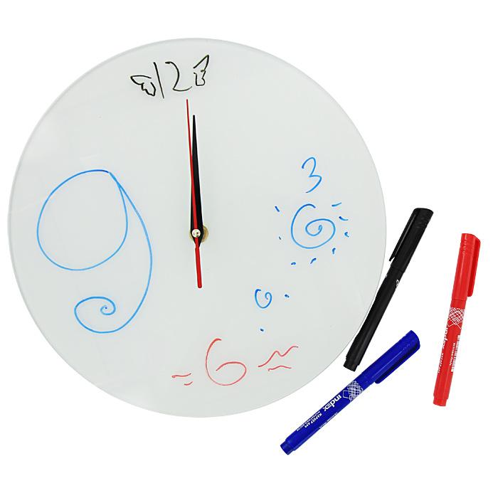 Часы настенные Нарисуй сам, 3 маркера в комплекте93382Настенные кварцевые часы Нарисуй сам своим необычным дизайном подчеркнут стильность и оригинальность интерьера вашего дома. Циферблат часов выполнен из стекла белого цвета. В комплекте три разноцветных маркера, с помощью которых вы сможете сами создать дизайн ваших часов. Часы имеют три стрелки - часовую, минутную и секундную. На задней стенке часов расположена металлическая петелька для подвешивания. Такие часы послужат отличным подарком для ценителя ярких и необычных вещей.