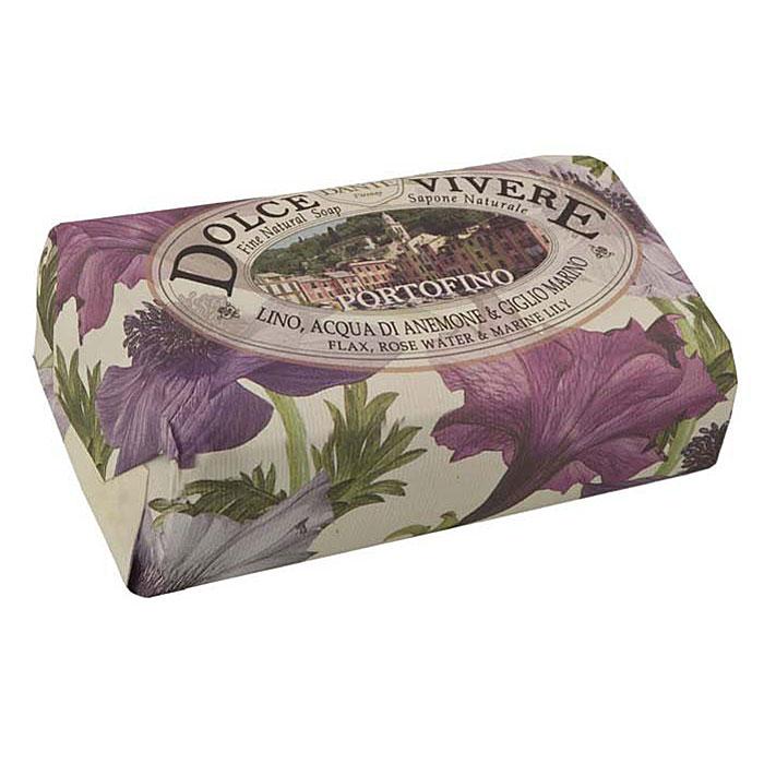 Мыло Nesti Dante Dolce Vivere. Портофино, 250 г1316106Великолепное растительное мыло премиум-класса Nesti Dante Dolce Vivere. Портофино изготовлено по старинным рецептам и по традиционной котловой технологии, в составе мыла только натуральные оливковое и пальмовое масло высочайшего качества, для ароматизации использованы органические эфирные масла. Мыло Dolce Vivere переносит вас в самые очаровательные места Италии, прекрасные и вдохновляющие виды заливов, городов и деревень, полных очарования, культуры и истории. Портофино - цветы и море, красота и легкость, такие чувства дарит изысканный аромат розовой воды, водяной лилии и льна. Путешествие по красивым ощущениям: босые ноги в траве, росинках на пальцах и бризе на лице. Уникальное место, красивый залив, абсолютно естественный, итальянский шедевр. Изысканная флорентийская бумага, в которую завернуто мыло, расписана акварелью, на каждом кусочке мыла выгравирована надпись With Love And Care (С любовю и заботой).