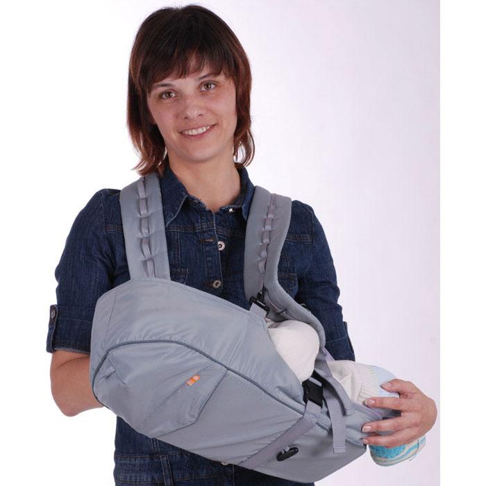 Рюкзак-кенгуру BabyActive Simple, цвет: серыйBAS06-002Анатомический рюкзак-кенгуру BabyActive Simple  сочетает в себе сумку-переноску для новорожденных и рюкзачок за спиной. Универсальная модель предназначена для ношения малыша с самого рождения и до момента активного самостоятельного передвижения. Рюкзак-кенгуру одинаково хорош как летом, так и зимой. Основные возможности и преимущества модели BabyActive Lux: Универсальность - подходит для малышей с рождения до двух лет, для любого времени года. Шесть основных положений и множество дополнительных возможностей: Лежа (для новорожденных), положение полулежа. Высота расположения ребенка, наклон его тела, угол поворота взрослого настраиваются по желанию. Сумка-переноска. Лицом к себе. Лицом от себя. Два положения за спиной. Может использоваться как подвесная люлька для кухни, а также как поддерживающий поводок. Особенности рюкзака-кенгуру BabyAcitve Simple: -адаптирован для переноски малышей с...