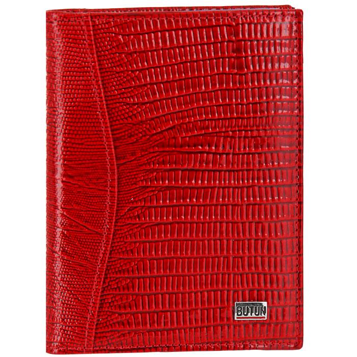 Обложка для автодокументов Butun, цвет: красный. 148-005 006148-005 006Обложка для автодокументов Butun - это стильный современный аксессуар, который не только сохранит внешний вид документов в аккуратном состоянии, но и, благодаря своему привлекательному дизайну и высокому качеству исполнения, великолепно подчеркнет тонкий взыскательный вкус своего обладателя. Обложка выполнена из натуральной кожи красного цвета с тиснением под змею. Внутри обложка содержит: съемный блок с 6 файлами из мягкого прозрачного пластика (для водительского удостоверения, для СТС, техосмотра и один разворачивающийся файл формата А5) и три дополнительных кармана (один небольшой прорезной карман с прозрачным окошком). Внутренняя поверхность обложки отделана красным мягким текстилем. Обложка для автодокументов Butun послужит великолепным подарком ценителю современных практичных вещей. Обложка упакована в фирменную коробку.