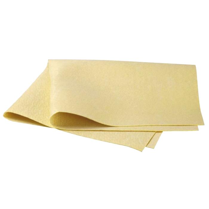 Салфетка для ухода за автомобилем Pingo, 54 см х 44 см5813Салфетка Progo идеально подходит для протирки мокрых лакокрасочных и хромированных поверхностей, стекол и поверхностей из искусственных материалов, для чистки приборной панели автомобиля, чехлов, обшивки. Салфетка из профессиональной синтетической замши отличается особой прочностью и долговечностью, обладает повышенной впитывающей способностью, быстро скользит по поверхности, не оставляет полос и разводов. Перед первым применением основательно прополоскать в теплой воде без моющих средств. Сильно загрязненную салфетку промыть в теплой воде. Характеристики: Материал: 100% поливинил. Размер салфетки: 54 см х 44 см. Водопоглащение: 720%. Артикул: 5813.