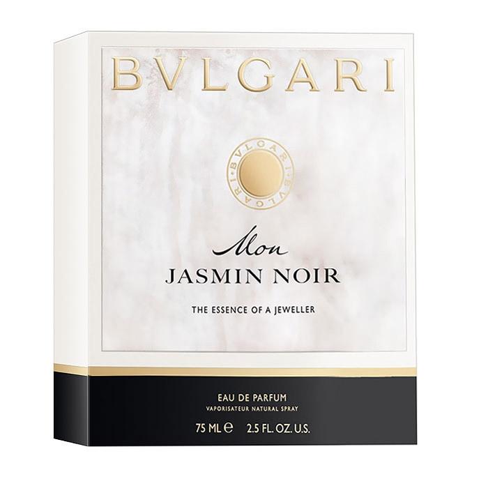 Bvlgari Mon Jasmin Noir. Парфюмерная вода, 75 мл40251BVLАромат Bvlgari Mon Jasmin Noir он адресован молодым девушкам. Bvlgari Mon Jasmin Noir - это блестящая соблазнительная ароматная драгоценность, цветочная композиция, вызывающая зависимость. Новизна и чувственность этого аромата достигается смешиванием нот ландыша, арабского жасмина, мускусной нуги и яркого древесного аромата. Создателем этого аромата является Olivier Polge. Классификация аромата : древесный, мускусный, цветочный. Пирамида аромата : Верхние ноты: цитрус, ландыш. Ноты сердца: арабский жасмин. Ноты шлейфа: нуга, мускус, лист пачули, виргинский кедр. Ключевые слова : Соблазнительный, влекущий, чарующий, завораживающий!