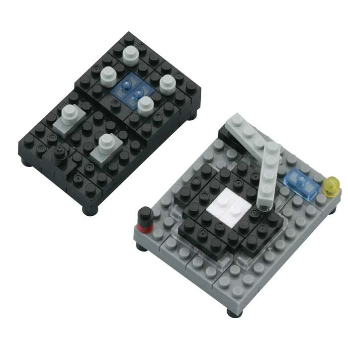 Мини-конструктор DJ-сет, 90 элементовNBC_052Мини-конструктор DJ-сет - увлекательнейший способ времяпрепровождения. Набор включает более 90 пластиковых элементов (в том числе запасные) и цветную графическую инструкцию-схему сборки. Из деталей конструктора собирается две мини-модели: микшер и вертушка. Конструктор nanoBlock - самый маленький в мире конструктор, крайне необычный, как все японское. Высокоточные трехмерные модели из деталей подобных Лего, но предельно уменьшенных в размерах, стали хитом в Японии и буквально произвели фурор в Америке, Европе, Азии и Австралии. Самая маленькая деталь конструктора - 4 мм х 4 мм, а классический прямоугольный элемент 2-на-4 точки имеет размер 8 мм х 16 мм и 5 мм высотой. Запатентованный дизайн деталей и высочайшее качество пластика обеспечивают надежное соединение даже при таких небольших размерах. Нано-размер деталей позволяет добиться невероятной реалистичности у собранных конструкций. В результате получаются небольшие по масштабу объекты невиданной точности. ...