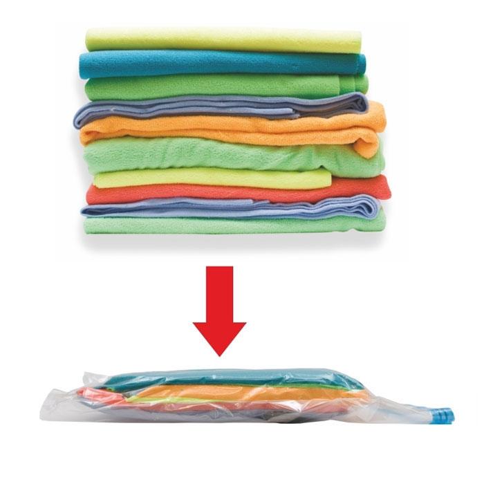 Пакет для хранения вещей Eva, вакуумный, 50 см х 60 смЕС-008Вакуумный пакет Eva из плотного полиэтилена предназначен для компактного хранения и перевозки одежды, постельных принадлежностей, мягких игрушек и прочего. Обеспечивает герметичную защиту вещей от влаги, пыли, моли и запаха. Возможно многократное использование пакета. Пакет вакуумный для хранения вещей просто незаменим для тех, кто часто в разъездах и для хозяек, которые хотят освободить побольше места в шкафу. Технология вакуумного пакета позволяет уменьшить объем вещей в несколько раз, путем выкачивания воздуха. Плотный полиэтилен не даст пакету порваться, что гарантирует сохранность Ваших вещей. Характеристики: Материал: полиэтилен, пластик. Размер: 50 см х 60 см. Производитель: Россия. Изготовитель: Китай. Артикул: ЕС-008.