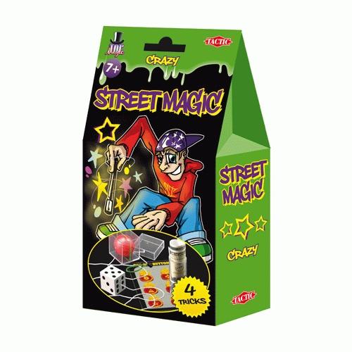 Набор для фокусов Уличная магия, цвет: зеленый01907NНабор для фокусов Уличная магия поможет вам удивить своих друзей и создать массу положительных эмоций и хорошего настроения. С помощью набора вы сможете научиться следующим фокусам: Безумный шарик, Безумный кубик, Безумная трубка и Безумные горячие кнопки. Безумный шарик появляется в коробке ниоткуда, безумным кубиком легко управлять при помощи силы мысли, безумная трубка может проглатывать вещи, а безумные горячие кнопки могут оставлять волшебные ожоги. Набор содержит все необходимое: аксессуары для показа фокусов и подробное описание фокусов на русском языке.