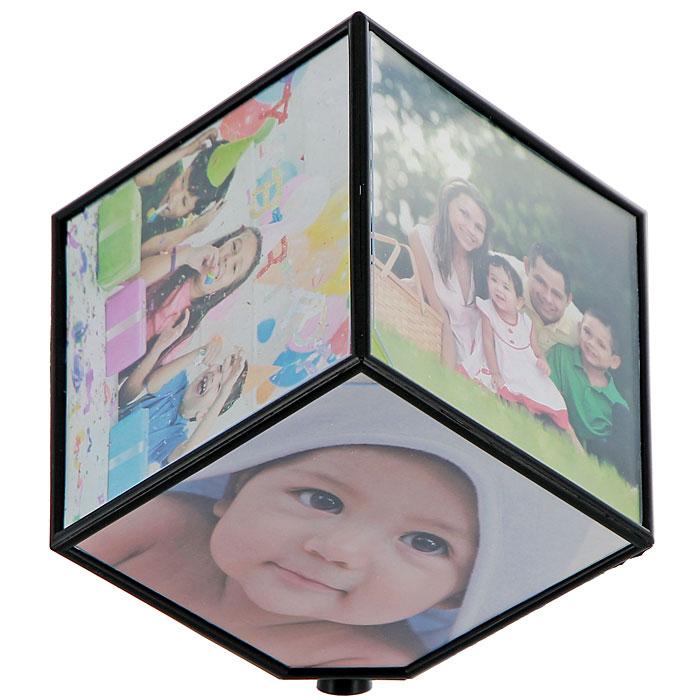 Фоторамка Куб, вращающаяся, 10 см х 10 см, на 6 фотографий93555Декоративная фоторамка, выполненная в виде куба, украсит интерьер помещения оригинальным образом, а также позволит сохранить на память изображения дорогих вам людей и интересных событий вашей жизни. На гранях куба вы сможете разместить шесть фотографии формата 10 см х 10 см. Куб совершает вращение на 360 градусов. С такой фоторамкой вы сможете внести в интерьер своего дома элемент необычности. Гнездо под батарейку находится на одной из плоскости фоторамки, нужно вытащить прозрачную пластинку и демонстрационную фотографию. Ничего раскручивать не надо!