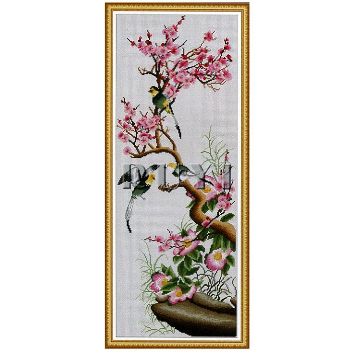 Набор для вышивания крестом Цветущая сакура, 34 x 74 смRY-2177-14В наборе для вышивания крестом Цветущая сакура есть все необходимое для создания собственного чуда: обработанная канва Аида 14СТ (крупная) белого цвета, хлопковые мулине, двухсторонняя цветная символьная схема, планшет-органайзер для ниток, иглы и инструкция по вышиванию. Канва в наборах обработана крахмальным средством и полужесткая, что позволяет вышивать как с пяльцами, так и без них. Нитки, применяемые в наборах, изготавливаются из египетского хлопка на европейском и японском оборудовании, с использованием качественных европейских красителей. Нитки гладкие, ровные, имеют стойкую окраску. Работа, сделанная своими руками, создаст особый уют и атмосферу в доме, и долгие годы будет радовать вас и ваших близких. Работа, которая отвлечет вас от повседневных забот, и превратится в увлекательное занятие!