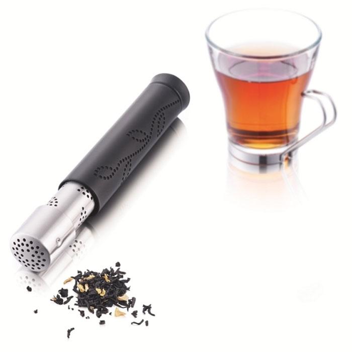 Устройство для чая VacuVin Tea Stick1853460Устройство для заваривания чая VacuVin Tea Stick, выполненное из металла и пластика, позволит вам пить листовой чай прозрачным, без листиков. Устройство для заваривания чая VacuVin Tea Stick не оставляет капель и луж. Очень удобно засыпать заварку и удалять использованную из устройства. Его легко чистить, а также можно мыть в посудомоечной машине. Данное устройство - оптимальный вариант для любителей листового чая, когда нет возможности использовать заварочный чайник. Характеристики: Материал: пластик, металл. Диаметр устройства: 2 см. Длина устройства: 11,5 см. Размер упаковки: 12,5 см х 6 см х 3,5 см. Производитель: Нидерланды. Артикул: 1853460.