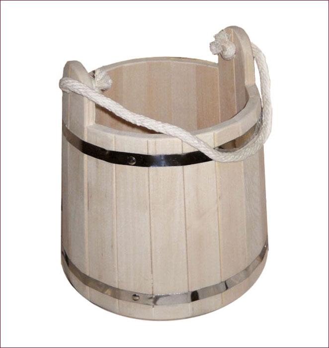 Ведро Банные штучки, 9 л03593Деревянное ведро Банные штучки является одной из тех приятных мелочей, без которых не обойтись при принятии банных процедур. Корпус ведра состоит из металлических обручей, стянутых клепками. Для удобства при переноске ведро оснащено ручкой из веревки. Ведро прекрасно подойдет для обливания, замачивания веника или других банных процедур. Интересная штука - баня. Место, где одинаково хорошо и в компании, и в одиночестве. Перекресток, казалось бы, разных направлений - общение и здоровье. Приятное и полезное. И всегда в позитиве.
