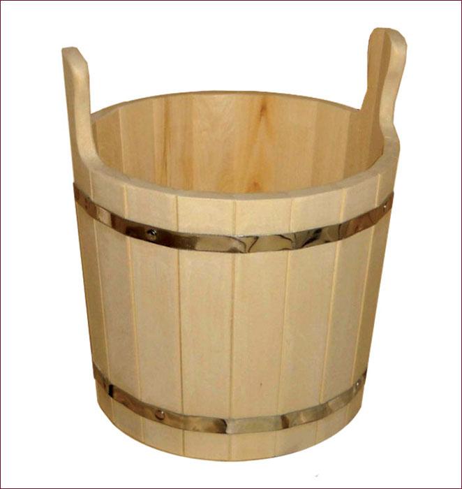 Запарник Банные штучки, 8 л03604Запарник Банные штучки, изготовленный из древесины липы, доставит вам настоящее удовольствие от банной процедуры. При запаривании веник обретает свою природную силу и сохраняет полезные свойства. Корпус запарника состоит из металлических обручей, стянутых клепками. Для более удобного использования запарник имеет по бокам две небольшие ручки. Интересная штука - баня. Место, где одинаково хорошо и в компании, и в одиночестве. Перекресток, казалось бы, разных направлений - общение и здоровье. Приятное и полезное. И всегда в позитиве. Характеристики: Материал: дерево (липа), металл. Высота запарника (без ушек): 25 см. Высота запарника (с ушками): 35 см. Диаметр запарника по верхнему краю: 28 см. Объем: 8 л. Артикул: 03604.